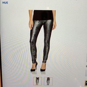 NWT Hue Metallic leggings.M